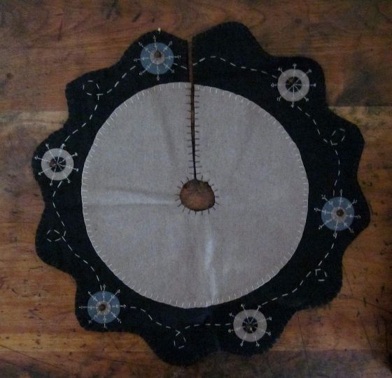 Primitive Winter Snowflake and Rusty Jingle Bell Tree Skirt