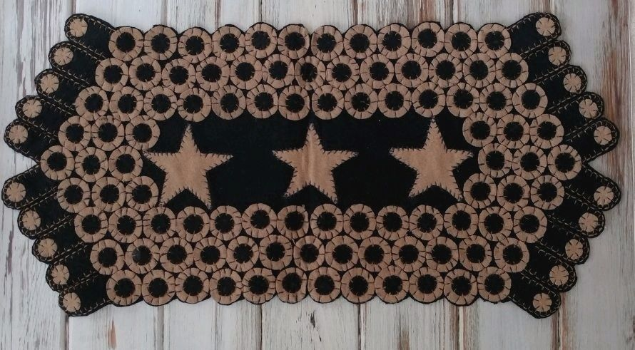 Farmhouse Style Wool Blend Penny Table Runner