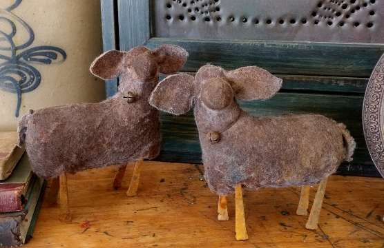 Primitive Handmade Aged Small Sheep - Farmhouse Home Accent