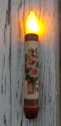 Country Twig and Daisy Flower Battery Operated Timer Candle