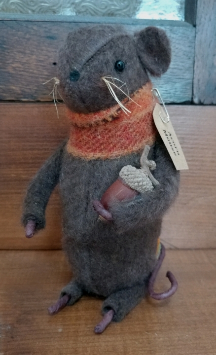 Rustic Primitive Handmade Fall Acorn Mouse with Acorn