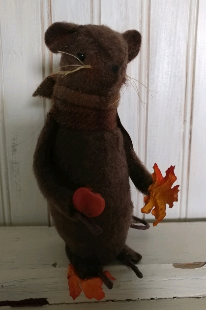 Primitive Fall Autumn Mouse with Pumpkin & Leaves - Made in USA