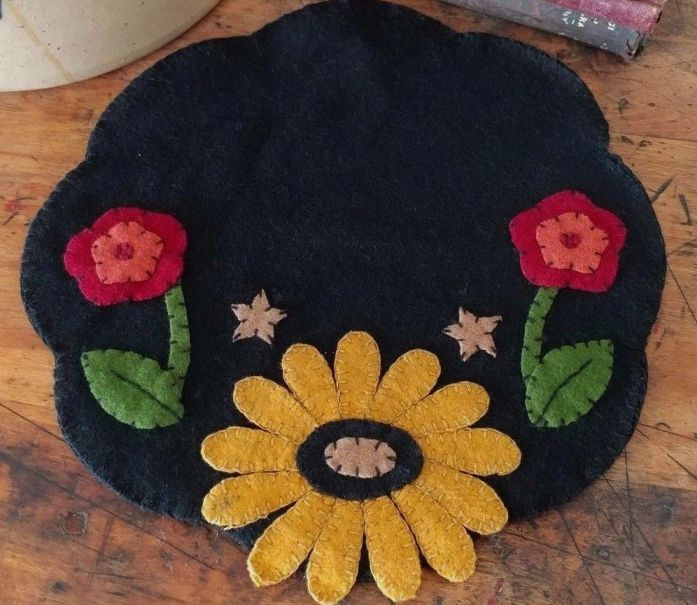 Mustard Flower & Star Wool Table Mat