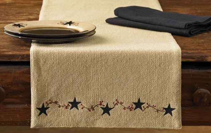 Country Star and Berry Burlap Table Runner
