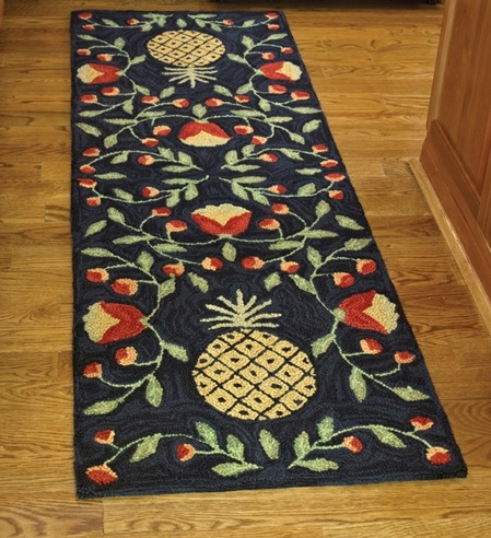 Country Folk Art Pineappl Hooked Rug Runner