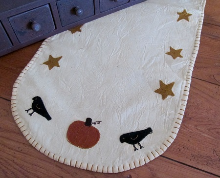 Primitive Sheep Star & Pumpkin Autumn Runner
