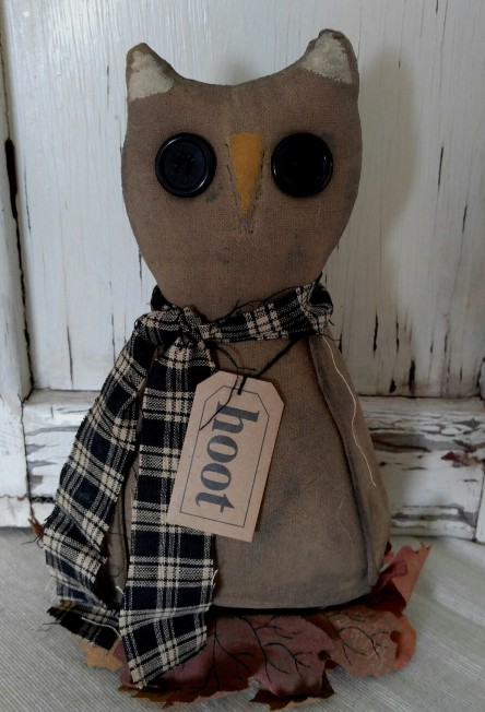 Primitive Autumn Hoot Owl with Leaves - Fabric Home Decor Accent
