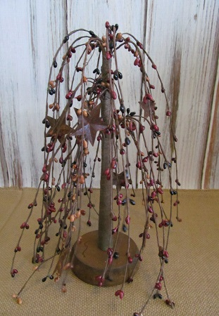 Country Prim Mix Pip Berry and Rusty Star Decorative Tree