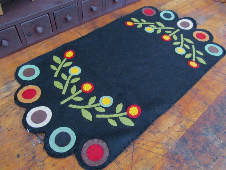 Primitive Multicolored Flower Penny Table Runner / Mat