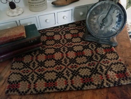 Rustic Farmhouse Woven Patriotos Knot Woven Table Runner