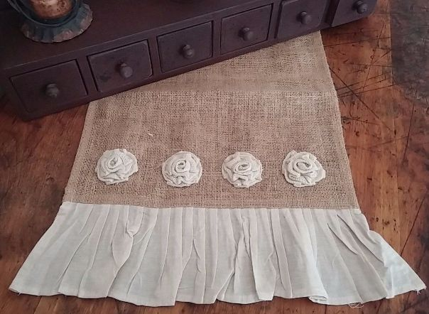 Country Cottage / Shabby Chic Mini Rosette Ruffle Burlap Table Runner