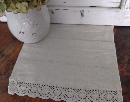 Country Cottage / Farmhouse Ivory Homespun Table Runner