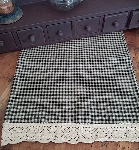 Primitive Country Black Check & Crocheted Fabric Table Runner
