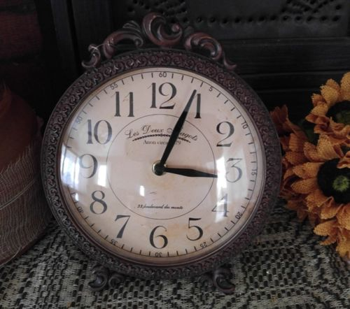 Country / Vintage Inspired Decorative Desk Clock