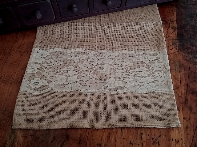 Country Cottage / Shabby Chic Wide Lace Burlap Table Runner