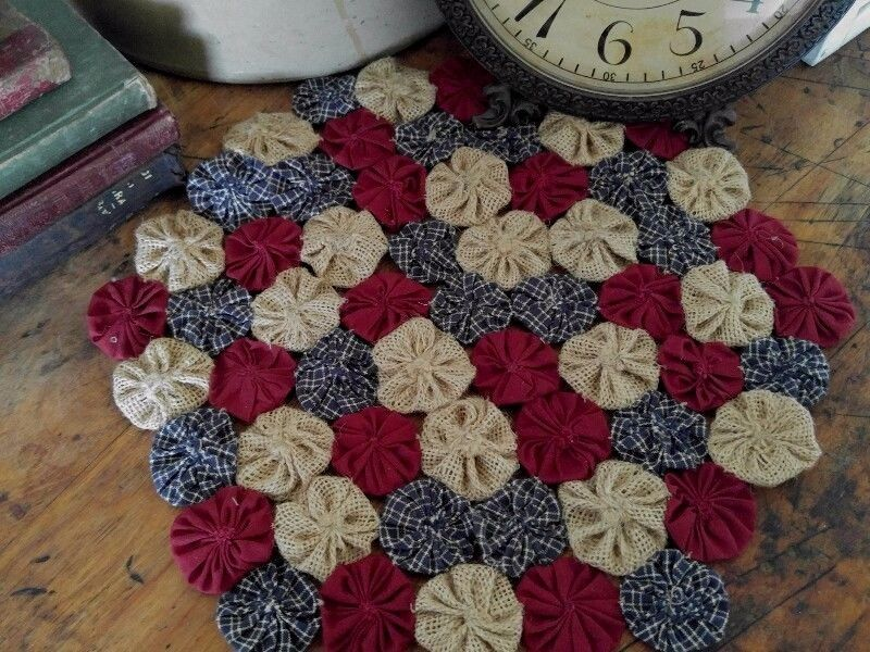 Country Patriotic Yo Yo Table Mat