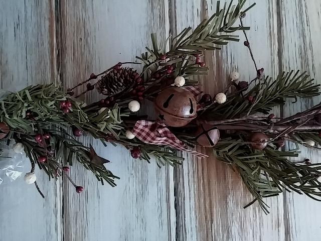 Rustic Country Holiday Evergreen Garland - Seasonal Christmas Decor