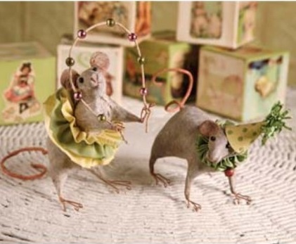 Whimsical Folk Party Mice Home Decor Accent Figurines