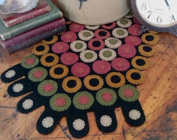 Primitive Wool Penny Table Runner - Penny Patch