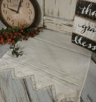Country Cottage Lace & Buttons Ivory Table Runner