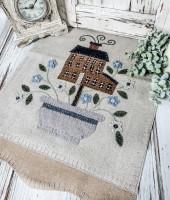 Handstitched Wool Applique Saltbox & Flowers Folk Cottage Table Runner