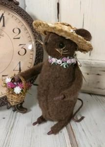 Rustic Summer Flower Garden Mouse Home Decor Figure - Handmade in USA